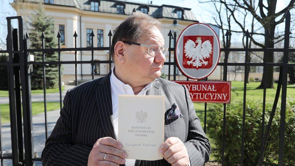 """W rozmowie z naTemat.pl Ryszard Kalisz wyznaje, że nie rozumie ludzi lewicy, którzy współpracują z PiS i obozem """"dobrej zmiany"""". Zdradza też, czy zgodzi się być kandydatem lewicy na prezydenta Warszawy."""