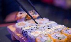 7 błędów, które popełniasz jedząc sushi