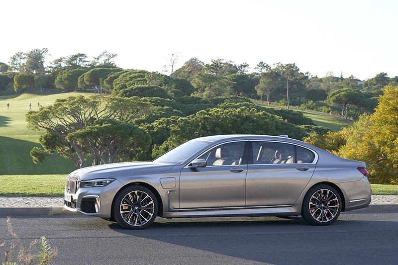 d95b035d62b2b Nowe BMW serii 7 ma monstrualny grill i nie tylko. Właśnie nim ...