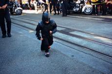 5-latek chory na bałaczkę na ulicach San Francisco został Batmanem