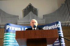 Na Dolnym Śląsku wybuchła kolejna afera z udziałem polityków PiS - tym razem śmieciowa. Na zdjęciu Jarosław Kaczyński podczas jednej z wizyt we Wrocławiu, w siedzibie Polskiego Radia Wrocław.