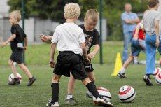 Na meczach w kategorii wiekowej do lat 12 powinno być trochę inaczej...