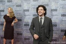 """Kitt Harrington na premierze  """"Gry o Tron"""" - serialu produkcji HBO"""