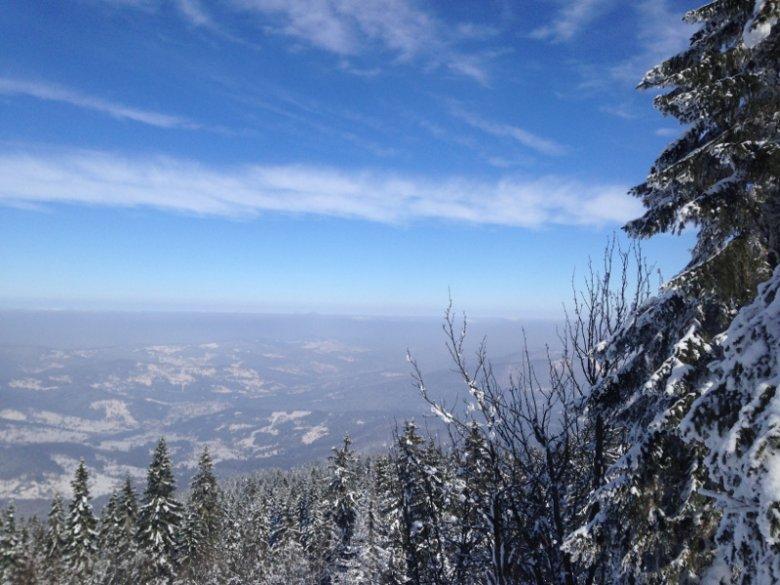 Wchodzącym na Babią Górę towarzyszą wspaniałe widoki.