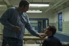 Wątek seryjnego mordercy, Eda Kempera, to jeden z najmocniejszych punktów serialu.