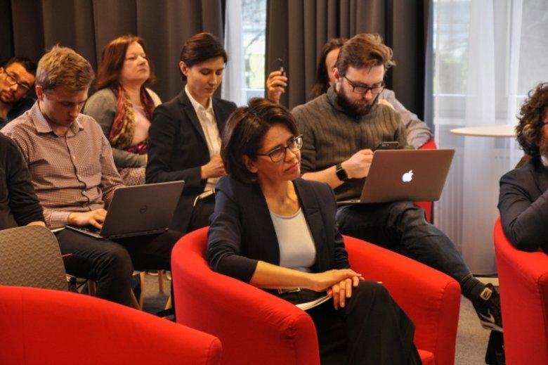 Projekt Ogólnopolskiej Sieci Edukacyjnej ma stać się cywilizacyjną zmianą dla polskich szkół. W jego urzeczywistnieniu wezmą udział także komercyjni operatorzy tacy jak Orange. Na zdjęciu minister cyfryzacji Anna Streżyńska
