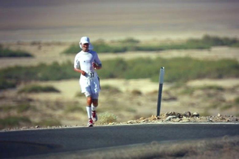 Niepełnosprawny maratończyk Darek Strychalski chce, by internauci pomogli mu wystartować w kolejnej edycji biegu Badwater w USA.