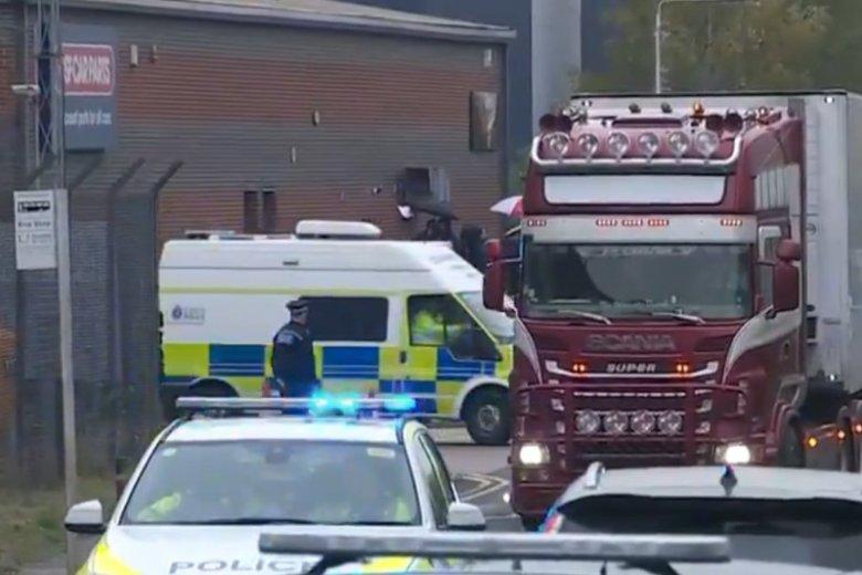 Brytyjska policja podała nowe fakty ws ciężarówki, w której znaleziono zwłoki 39 osób.