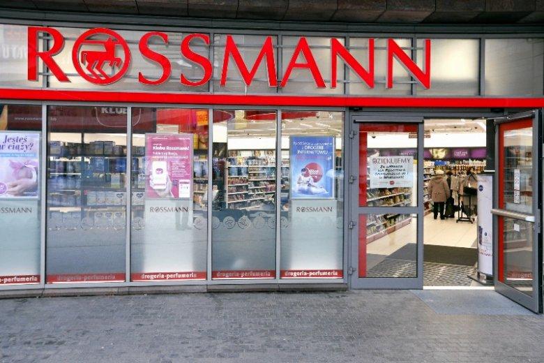 Klub Rossmann proponuje członkom kolejną promocję. Tym razem  kupując 4 produkty do włosów, 2 dostaniemy za darmo