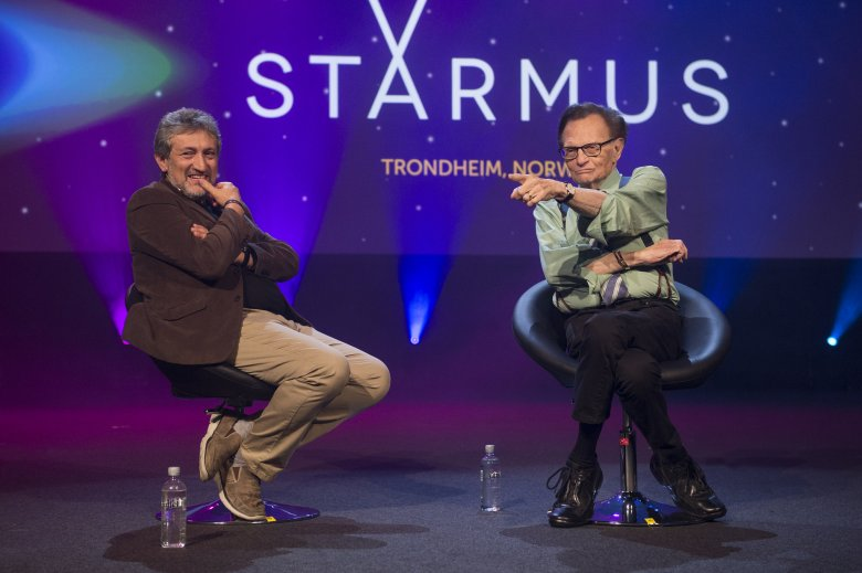 Larry King przepytywany przez jednego z pomysłodawców festiwalu Starmus.