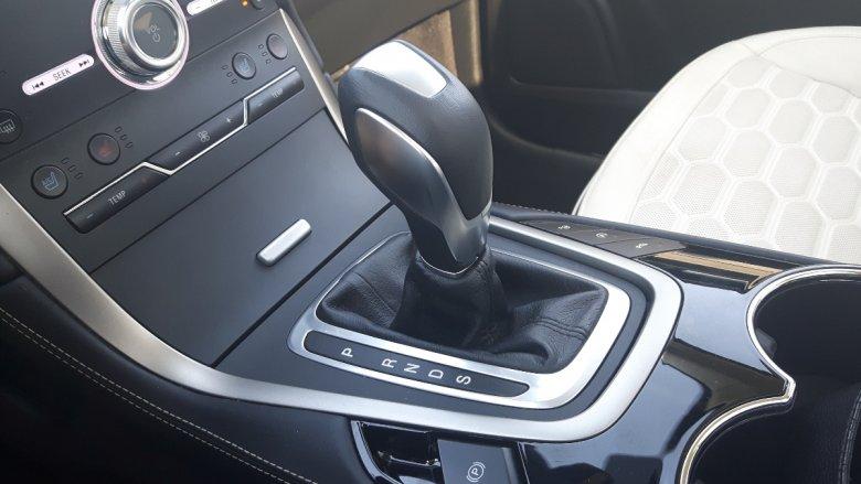 Automatyczna skrzynia biegów w S-Max Vignale to mocny punkt tego auta.
