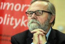 """Profesor Ryszard Bugaj jest jednym z najbardziej znanych mieszkańców """"wolnej gminy"""" Podkowa Leśna"""