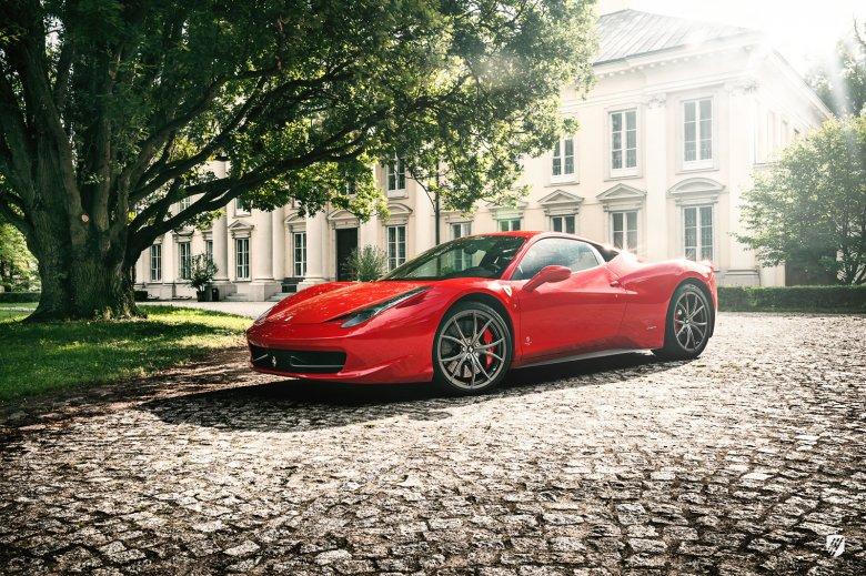 To pierwszy włoski samochód, o którym mogę powiedzieć, że jeździ lepiej niż wygląda. A wygląda obezwładniająco.