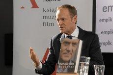 """Donald Tusk stwierdził we Wrocławiu, że Polsce nie grozi polexit, tylko """"wypierpol""""."""