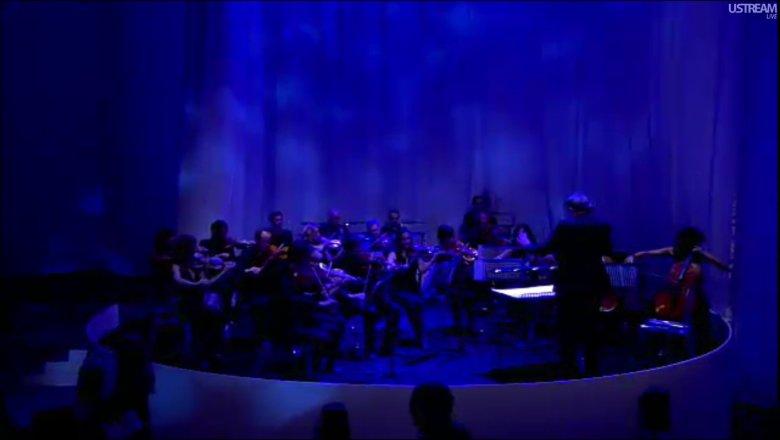 London Metropolitan Orchestra.