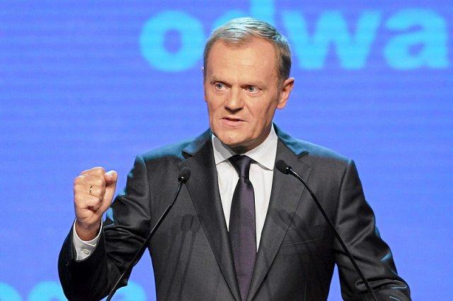 Unijni przywódcy zdecydowali o przedłużeniu kadencji Donalda Tuska na stanowisku przewodniczącego Rady Europejskiej. Wojna wypowiedziana Polakowi przez PiS nic nie dała.