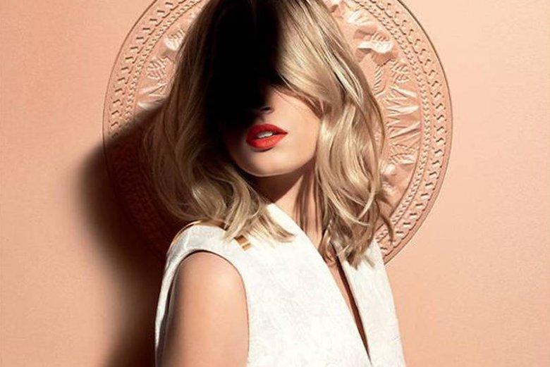 Nie wszystko da się ukryć... Zdjęcie z kampanii reklamowej  makijażu Givenchy