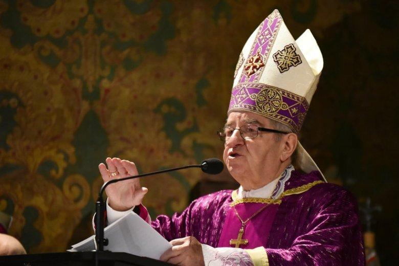 Arcybiskup Głódź podziękował na pasterce m.in. księdzu Jankowskiemu.