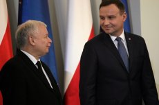 """W """"Financial Times"""" ukazała się miażdżąca opinia o wyborach prezydenckich w Polsce, które mają odbyć się bez względu na epidemię koronawirusa."""