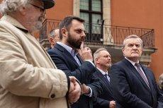 Nowy szef CSW Zamek Ujazdowski Piotr Bernatowicz na swoich zastępców powołał osoby równie kontrowersyjne, co on sam.