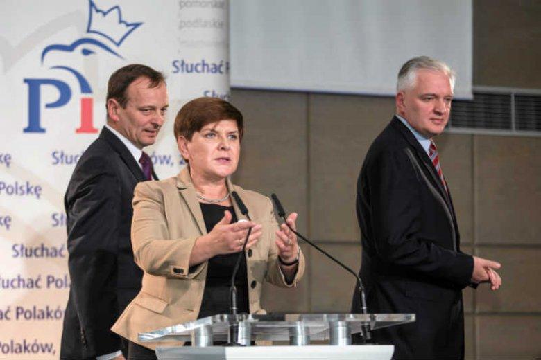 PiS zakiwało się ogłaszając, że to nie Antoni Macierewicz, ale Jarosław Gowin zostanie szefem MON.