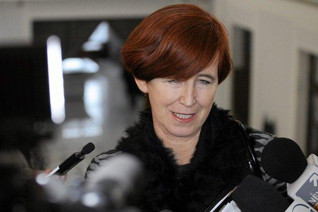 Minister Rafalska podjęła arbitralną decyzję o zerwaniu umowy z fundacją antydyskryminacyjną, nie dając możliwości wyjaśnień. To precedens w historii polskiej polityki.
