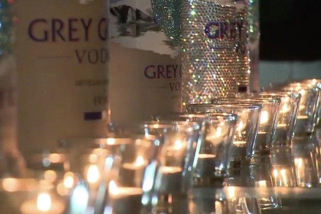 Co powiecie na toast jedną z najdroższych wódek na świecie, z butelki ozdobionej kryształkami Svarowskiego