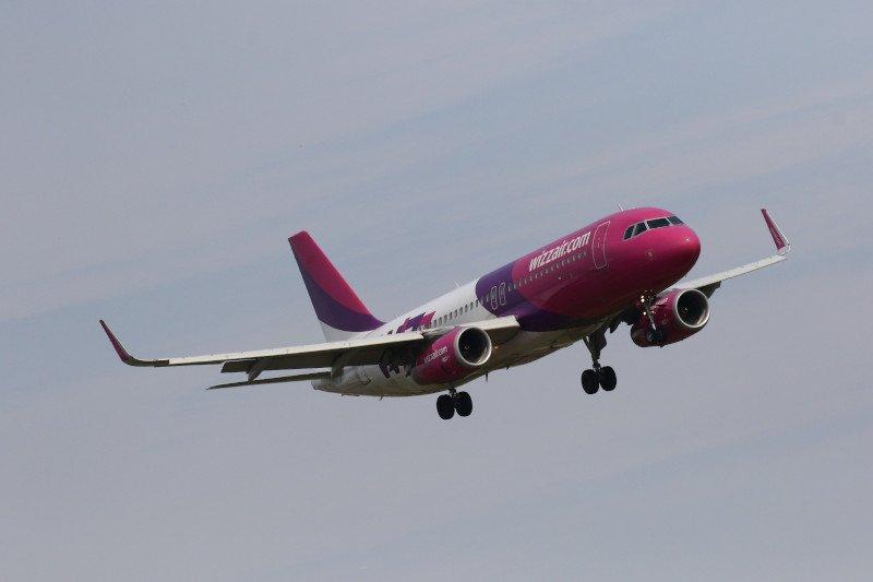 Samolot Wizzair nie mógł wylądować w Gdańsku z powodu