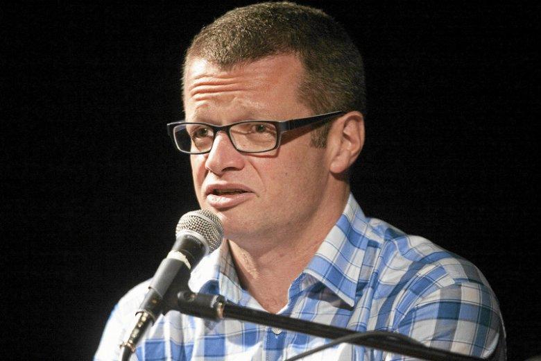 """Marcin Meller nazywa książkę """"Resortowe Dzieci"""" """"Pudelkiem"""" i """"szambem"""""""
