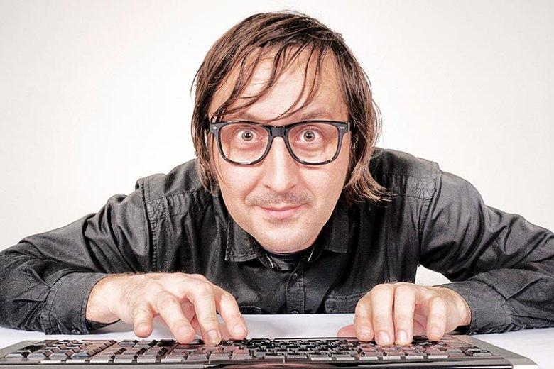Hackerzy są często silniejsi od państwa i wygrywają z nim, łamiąc zabezpieczenia informatyczne, na które urzędy wydają miliony złotych