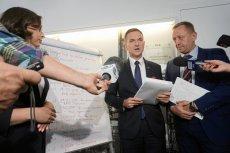 Posłowie PiS weszli do urzędów miast rządzonych przez polityków PO i PSL. Domagali się dokumentów.