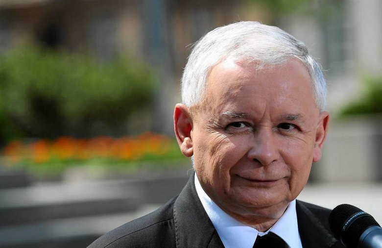 Jarosław Kaczyński może spać spokojnie przed rekonstrukcją. PiS deklasuje PO.