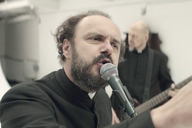 Założycielem zespołu dr Misio jest Arkadiusz Jakubik.