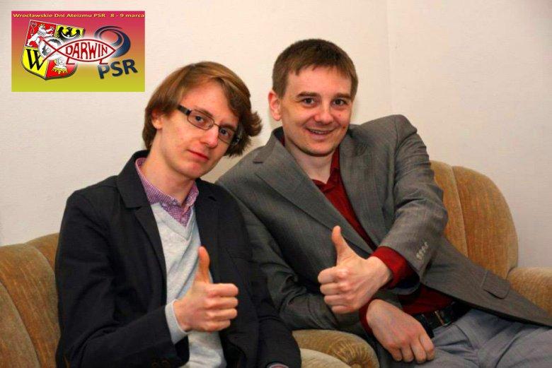 Maciej Psyk po prawej z członkiem zarządu PSR Kamilem Gawłem na Dniach Ateizmu we Wrocławiu, gdzie miał wykład o prawach człowieka.