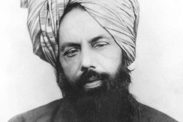 Zdjęcie proroka ahmadiji Mirzy Gulama Ahmada, który rozpowszechnił teorię o podróży Jezusa do Indii