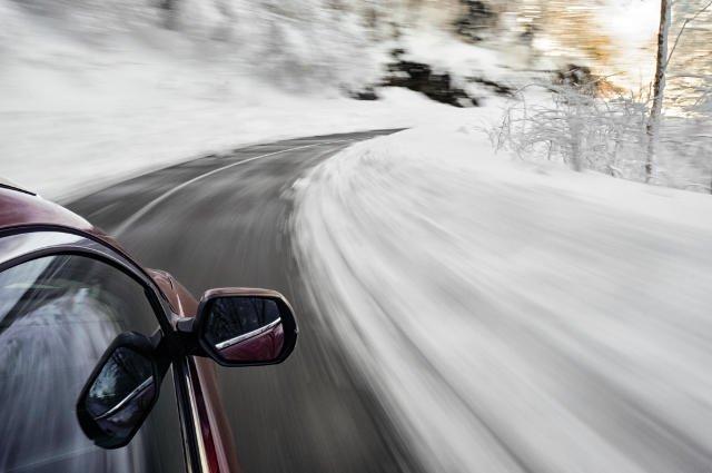 Jak zadbać o samochód zimą, żeby się nie zepsuł w najmniej oczekiwanym momencie?