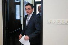 Zbigniew Ziobro zapowiedział wszczęcie śledztwa, które ma na celu ustalić osoby odpowiedzialne za zaniechania.