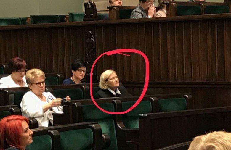 """Posłanka PiS Józefina Hrynkiewicz do rezydentów: """"niech jadą!"""""""