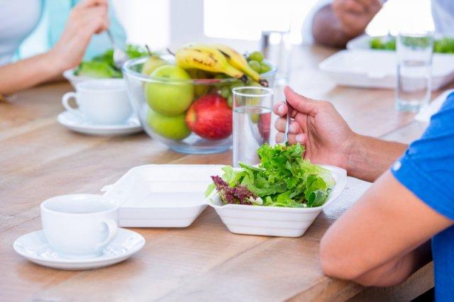 Sałata jest zdrowa, ale odżywianie się tylko sałatą, nie bardzo...