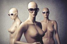 Angelina Jolie amputowała piersi. Wielu uznało, że ikona seksu straciła swój wielki atut. Seksowny biust i uroda nawet kosztem zdrowia?