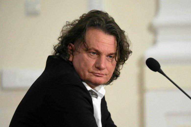 """Robert Nowaczyk, warszawski adwokat, zwany jest przez niektóre media """"rekinem reprywatyzacji""""."""