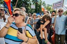 Nie ma szans na to by Polacy masowo wyszli na ulice w obronie trójpodziału władzy