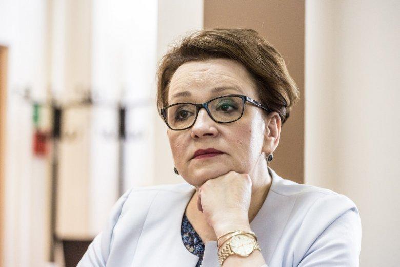 Od 1 września 2018 roku nauczyciele mają podlegać ocenom dyrekcji w swoich szkołach – zdecydował resort minister Anny Zalewskiej.