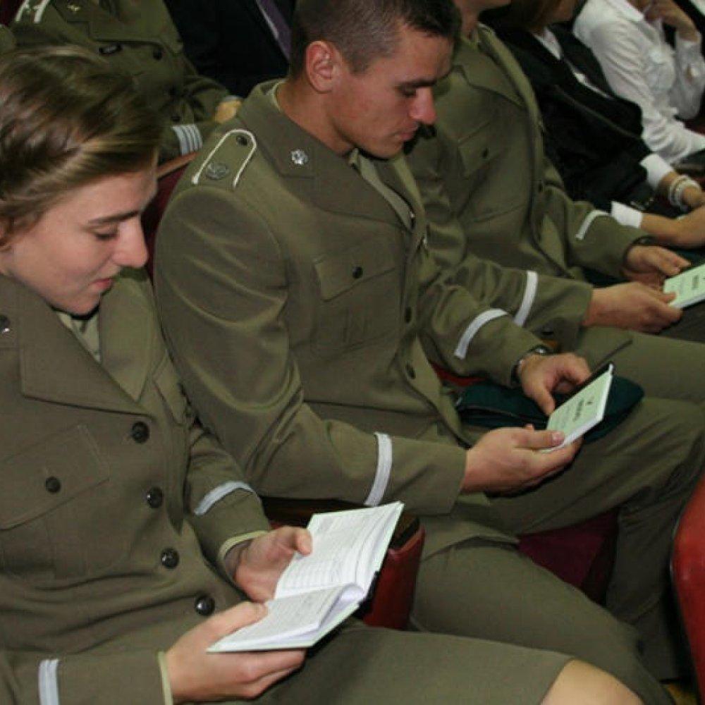 Młodzi Szturmują Uczelnie Wojskowe Wystarczy Matura Dobra Kondycja