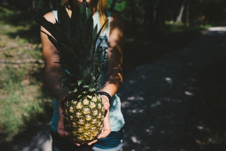 Substancje odżywcze zawarte w ananasie korzystnie wpływają na pewne aspekty zdrowotne oraz procesy trawienne. Ananasowy detoks, podobnie jak inne monodiety, to jednak krótkoterminowy efekt.