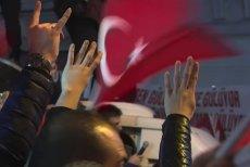 Turcy mieszkający w Holandii oskarżają holenderski rząd o rasizm. Prezydent Turcji – o islamofobię.