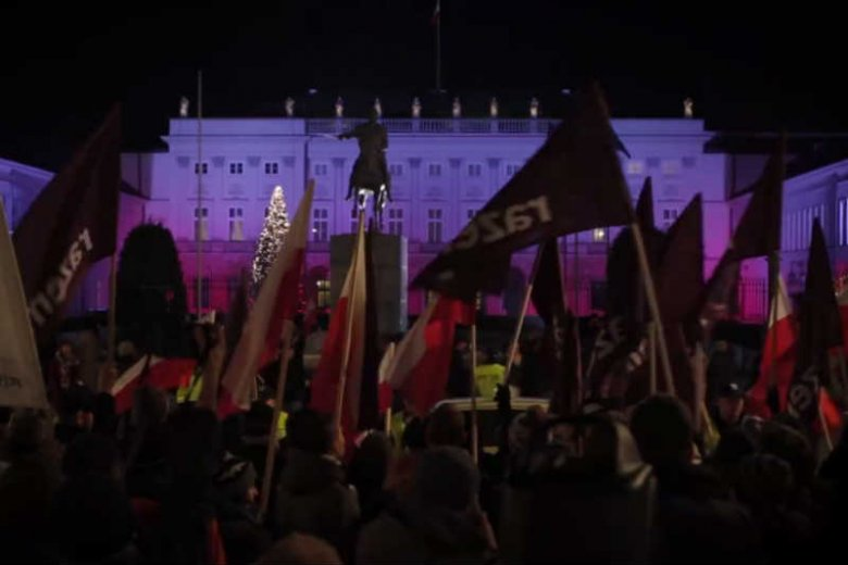 Partia Razem walczy, ale nie o sprawy, które najbardziej interesują Polaków.