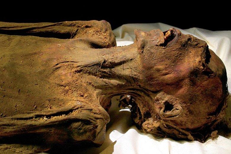"""Odkryta w 1886 roku ''Krzycząca Mumia"""" to przypuszczalnie zwłoki syna Ramzesa III, który za spisek przeciwko ojcu, a także prawdopodobny mord na faraonie, został skazany na śmierć"""