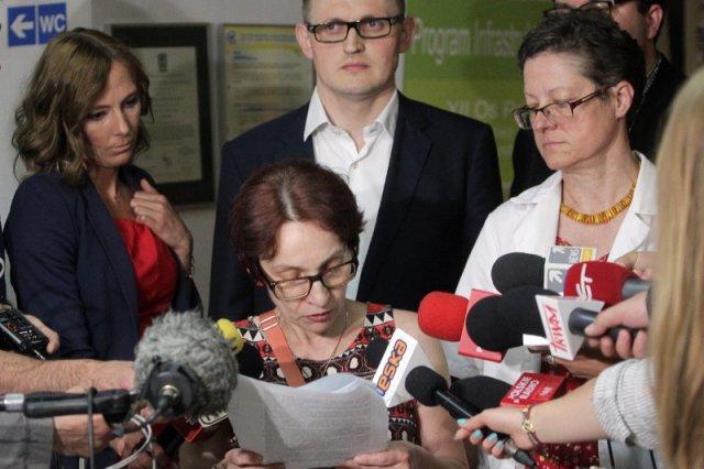 Po osiągnięciu kompromisu z dyrekcją pielęgniarki odczytały krótkie oświadczenie. W CZD koniec protestu.