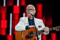 Jan Pietrzak śpiewał, a publicznośćwysyłała smsy. Tylko nie wiadomo po co.
